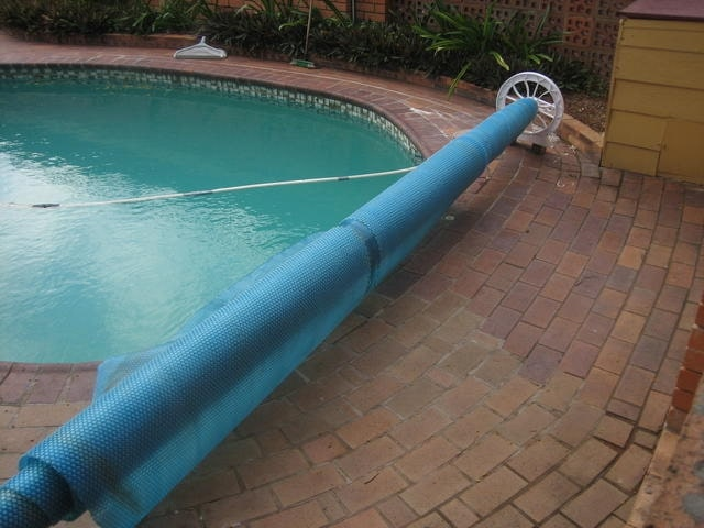 Step-by-Step Guide: How to Make a Homemade Pool Cover Reel